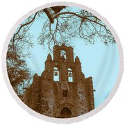 Twilight In The Mission Round Beach Towel