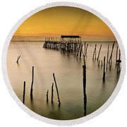 Round Beach Towel featuring the photograph Twilight by Jorge Maia