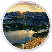 Twin Lakes Sunset Round Beach Towel