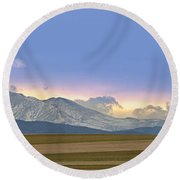 Twin Peaks Panorama View From The Agriculture Plains Round Beach Towel