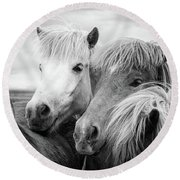 Two Icelandic Horses Black And White Round Beach Towel