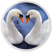 Two Swans Round Beach Towel