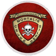 U S M C  3rd Reconnaissance Battalion -  3rd Recon Bn Insignia Over Red Velvet Round Beach Towel