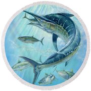 Underwater Hunting Round Beach Towel