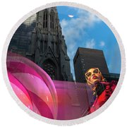 Round Beach Towel featuring the photograph Unimpressed In New York by Alex Lapidus