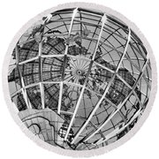 Unisphere In Black And White Round Beach Towel