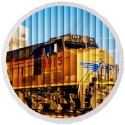 Up 5915 At Track Speed Round Beach Towel