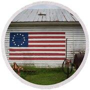 Us Flag Barn Round Beach Towel