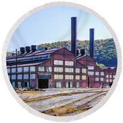 Vacant Steel Mill - Johnstown Pa Round Beach Towel