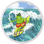 Vacation Surfing Frog Round Beach Towel