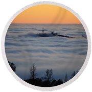 Valley Sunset Fog Round Beach Towel