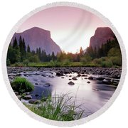 Valley View Sunrise Round Beach Towel