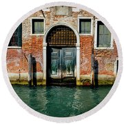 Venetian House On Canal Round Beach Towel