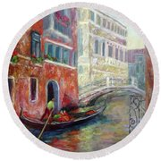 Venice Gondola Ride Round Beach Towel