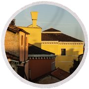 Venice Italy - Fabulous Rooftops And Chimneys Round Beach Towel