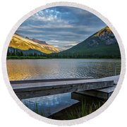 Vermillion Lakes And Mt Rundle Sunset Round Beach Towel