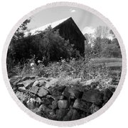 Vermont Barn And Stone Wall Round Beach Towel