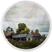 Round Beach Towel featuring the photograph Vermont Barn by Judy Wolinsky
