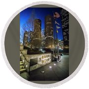 Veteran's Memorial On The Chicago Riverwalk At Dusk Round Beach Towel