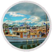 Victoria Harbor Old Boats Round Beach Towel