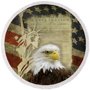 Vintage Americana Patriotic Flag Statue Of Liberty And Bald Eagle Round Beach Towel