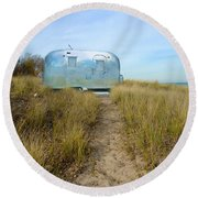 Vintage Camping Trailer Near The Sea Round Beach Towel