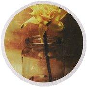 Vintage Daffodil Flower Art Round Beach Towel