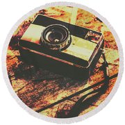 Vintage Old-fashioned Film Camera Round Beach Towel
