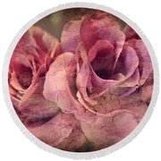 Vintage Roses - Deep Pink Round Beach Towel