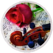 Violin Scroll And Rose Round Beach Towel