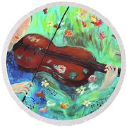 Violinist In Garden Round Beach Towel