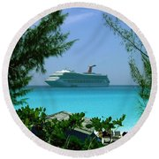 Visiting Paradise Round Beach Towel