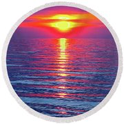 Vivid Sunset With Emerson Quote - Vertical Format Round Beach Towel