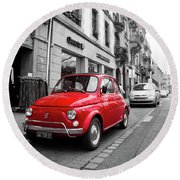 Voiture Rouge Round Beach Towel