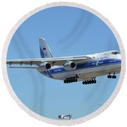 Volga-dnepr An-124 Ra-82068 Landing Phoenix Sky Harbor June 15 2016 Round Beach Towel