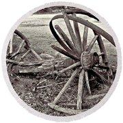 Wagon Wheels Monotone Round Beach Towel