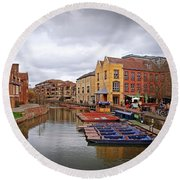 Round Beach Towel featuring the photograph Waiting For The Tourists Cambridge by Gill Billington