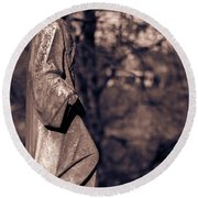 Wandering Lady Of Myrtle Hill Bw Round Beach Towel