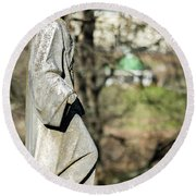Wandering Lady Of Myrtle Hill Round Beach Towel