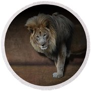 Was That My Cue? - Lion On Stage Round Beach Towel
