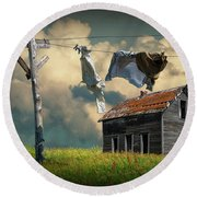Wash On The Line By Abandoned House Round Beach Towel