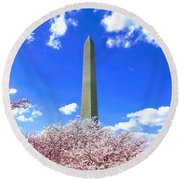 Washington Monument Cherry Blossoms Round Beach Towel