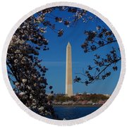 Washington Monument Round Beach Towel