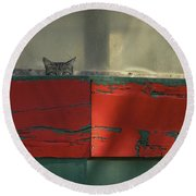 Watchful Cat Round Beach Towel