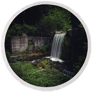 Waterfall At Paradise Springs Round Beach Towel