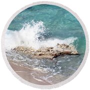 Gentle Wave In Bimini Round Beach Towel
