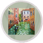 Wave Under The Oars Of The Gondola. Round Beach Towel
