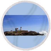 Waves At The Nubble Round Beach Towel