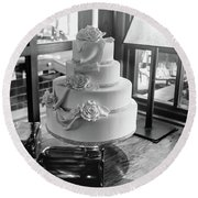 Wedding Cake Bw Series 0956 Round Beach Towel