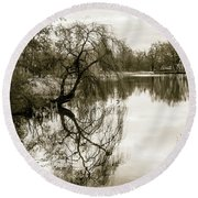 Weeping Willow Tree In The Winter Round Beach Towel